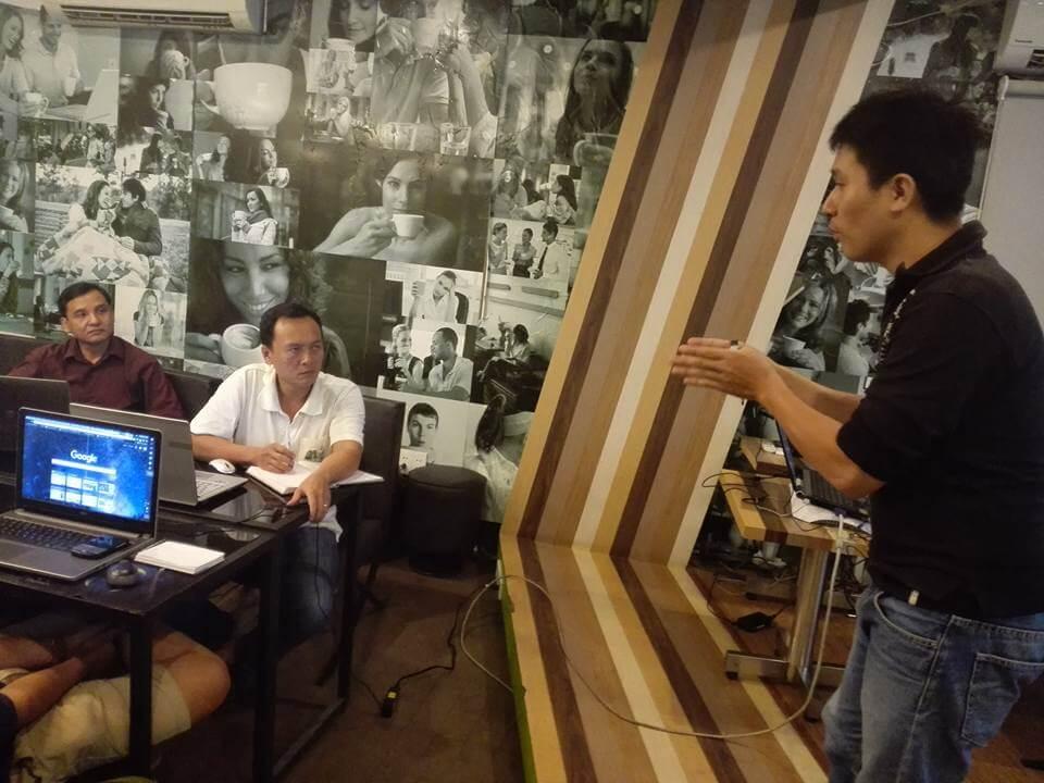 Thầy huấn luyện tên Thanh Quan say mê chỉ dẫn cách kiếm tiền trên youtube